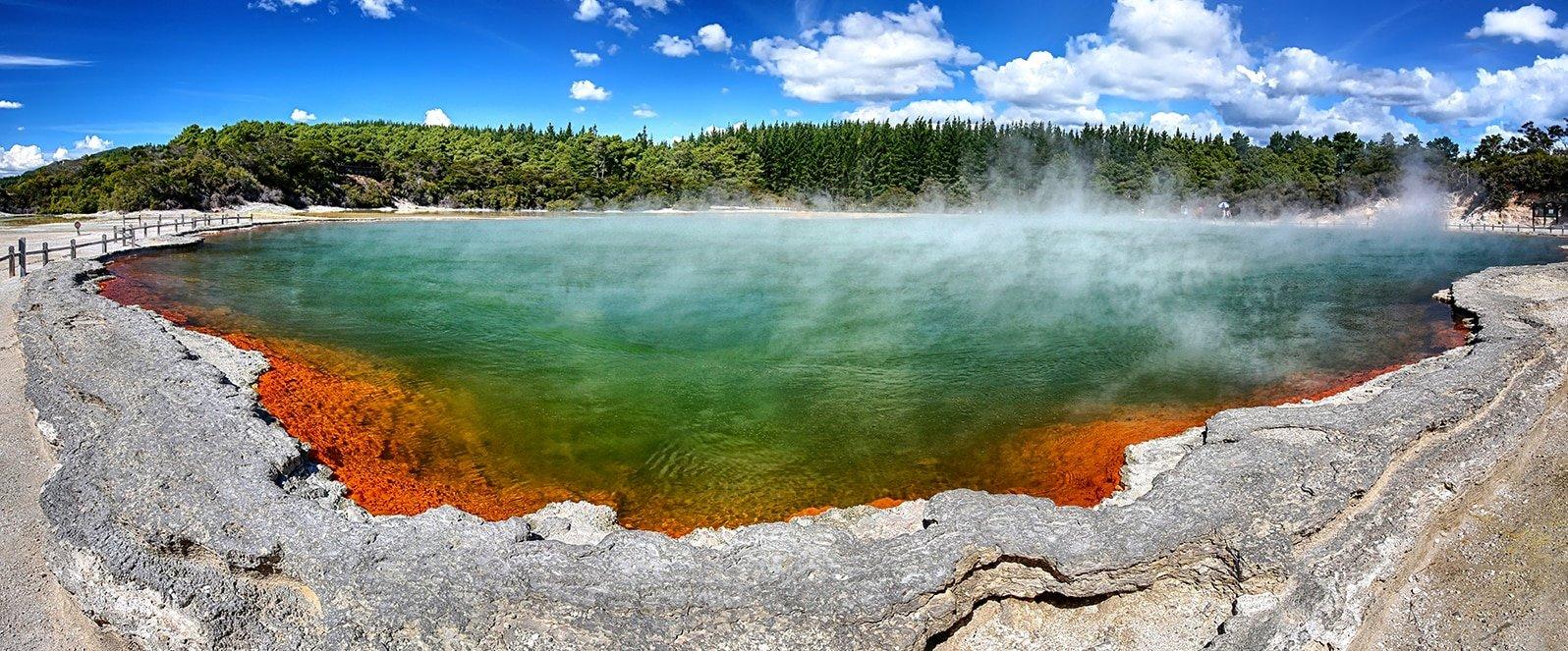Thermal lake Champagne Pool