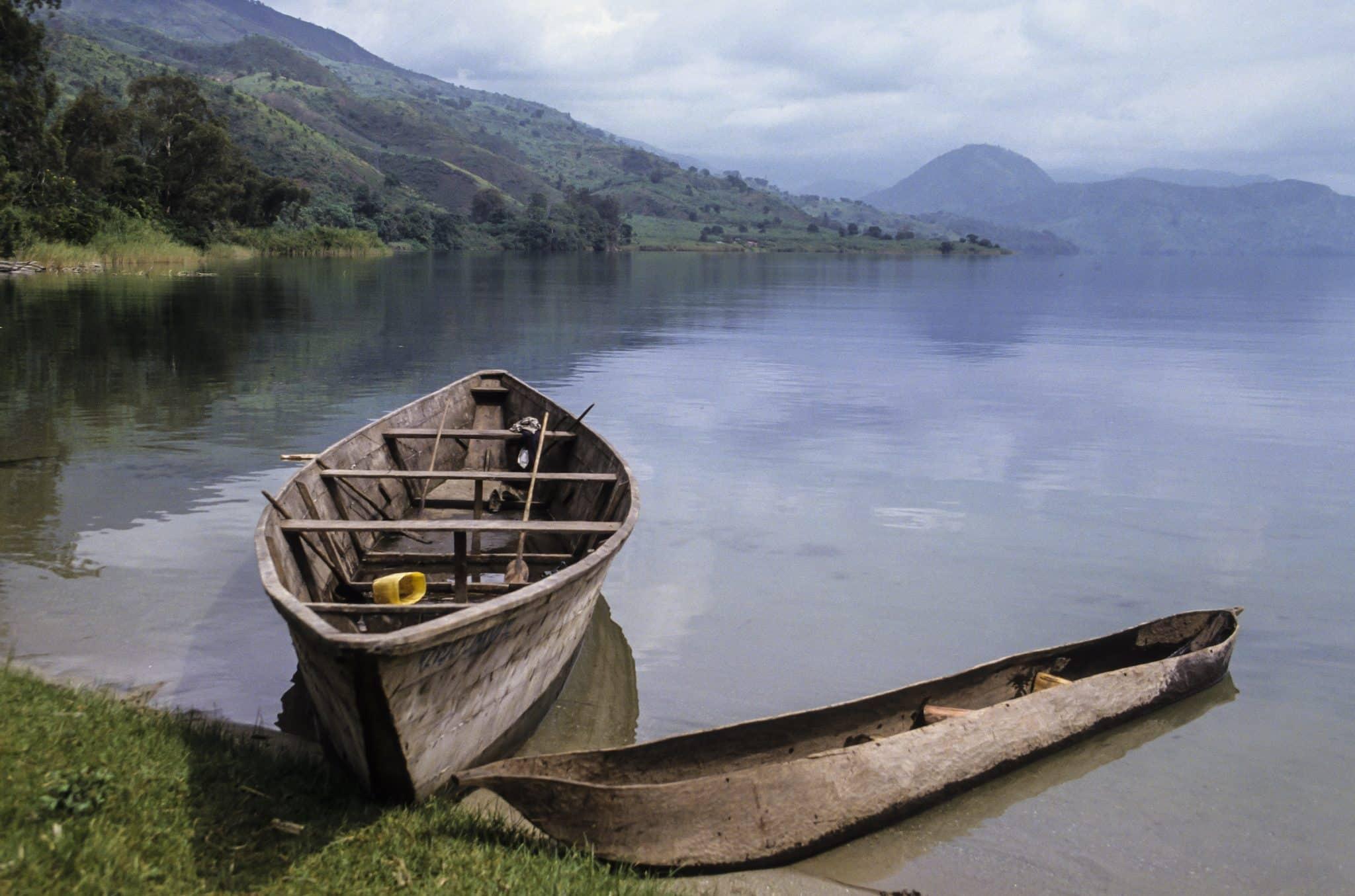 Barque de pêcheurs, Lac Kivu, République démocratique du Congo, Rwanda