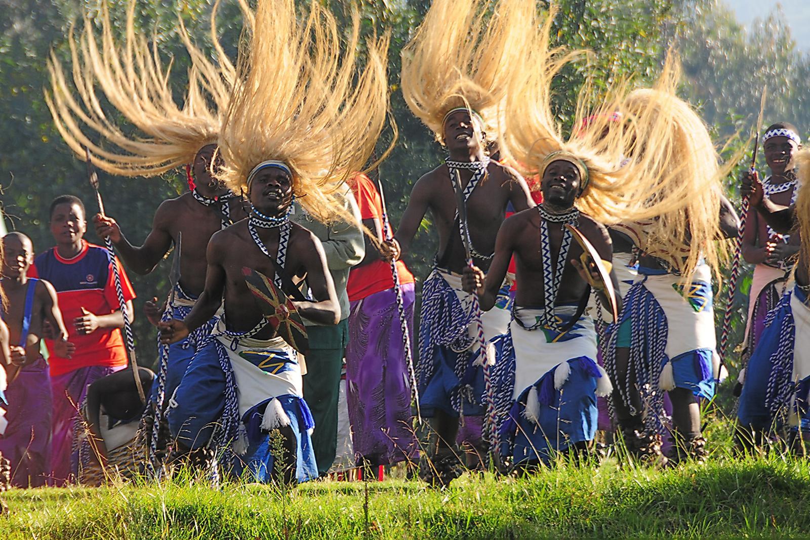 Rwanda tribal dancers