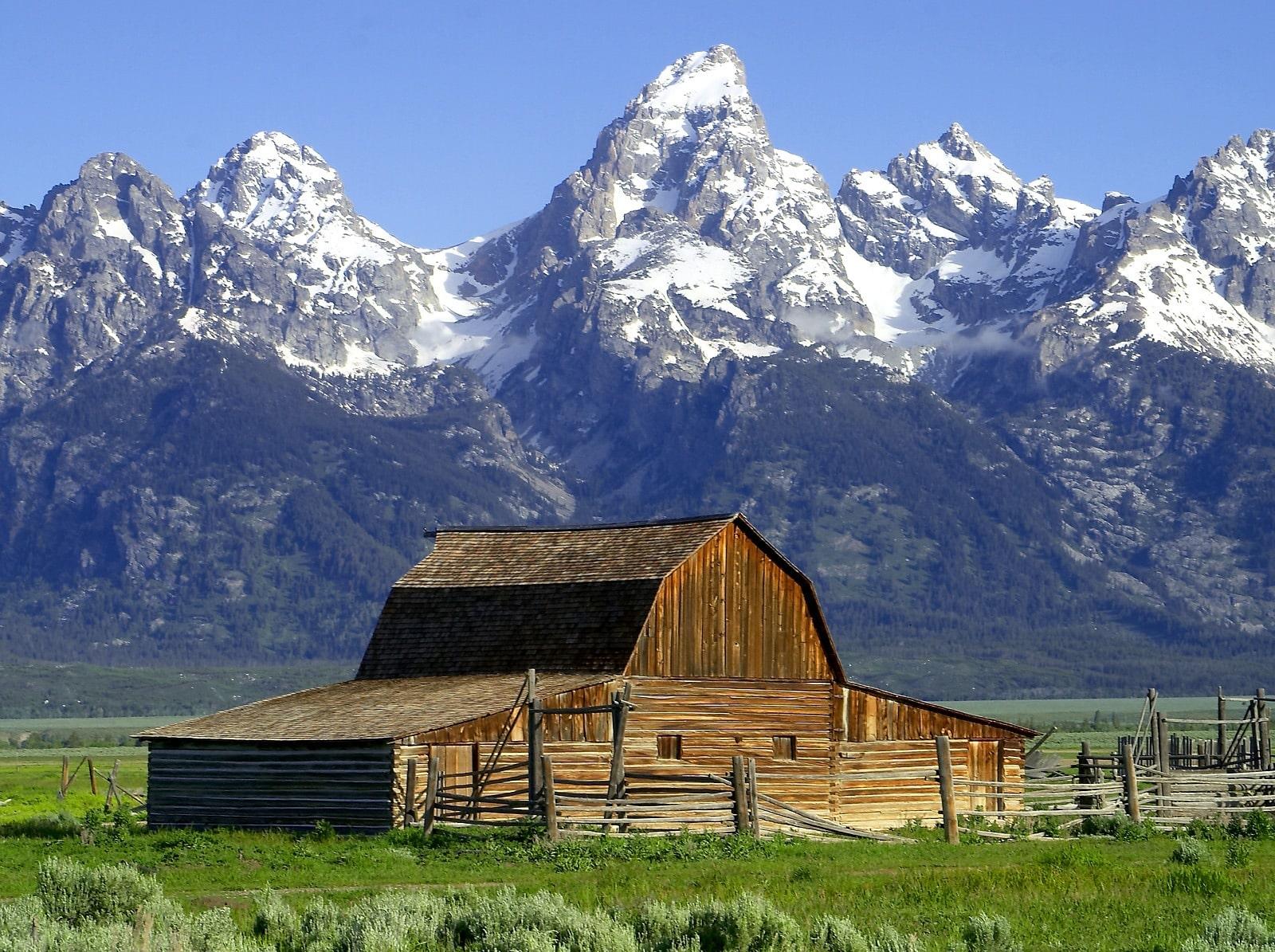 WYfamous barn