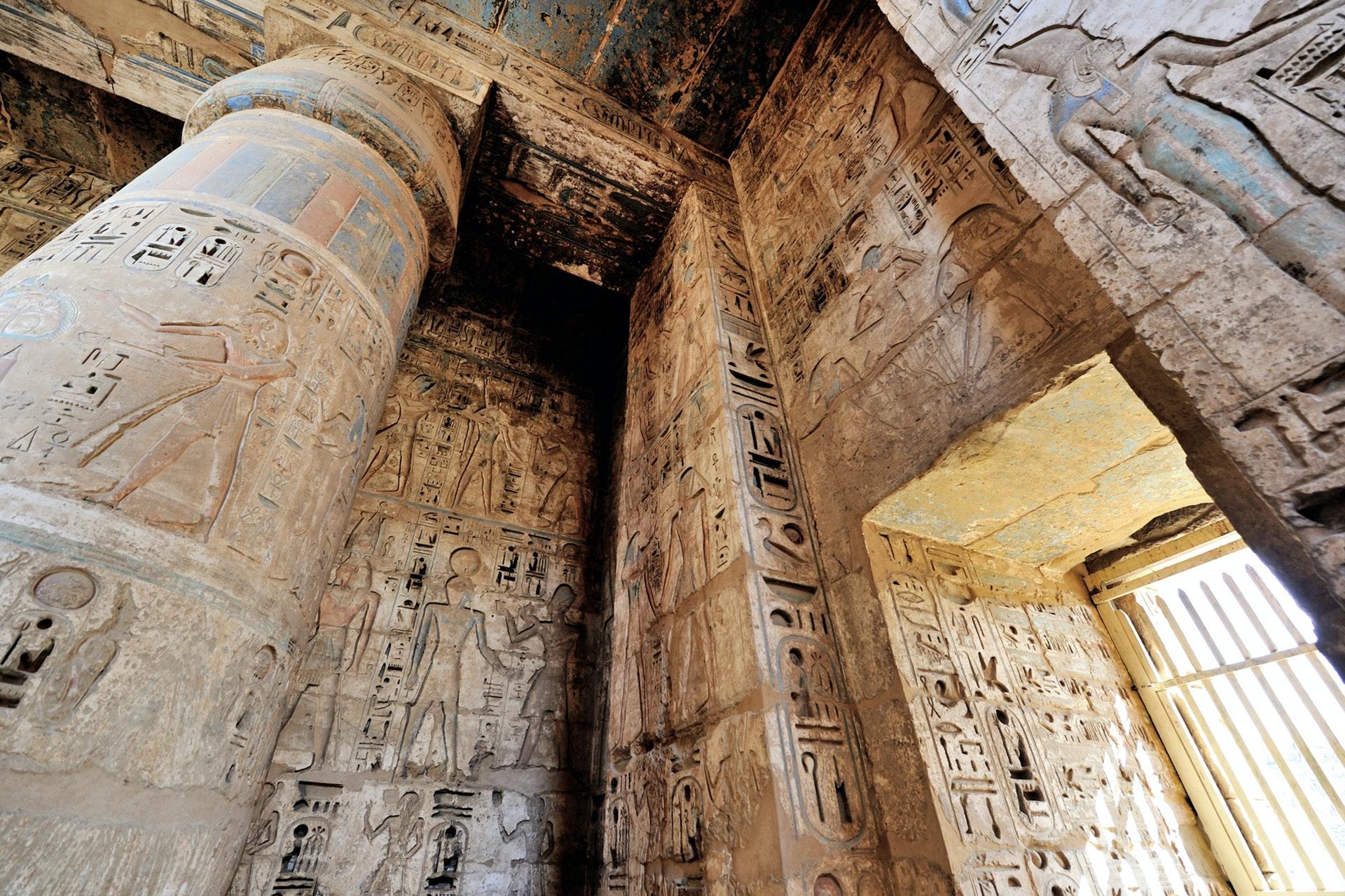 hiroglyph-pilars-egypt